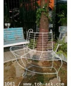 รหัสสั่งซื้อ 1061 :  ม้านั่งเหล็กดัดครึ่งวงกลมล้อมต้นไม้
