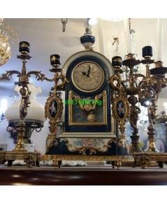 นาฬิกาตั้งโต๊ะกระเบื้อง  พร้อมเชิงเทียนคู่ งานเยอรมัน ขายแล้ว
