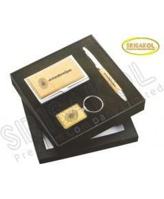 ชุด ที่ใส่ปากกา+พวงกุญแจ + นามบัตร นำเข้า รหัส A1907-18I