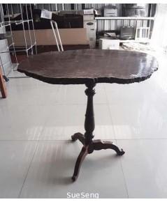 โต๊ะไม้เนื้อแข็ง แผ่นเดียว