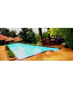Long side overflow pool
