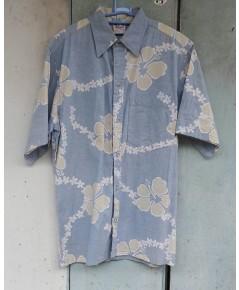 เสื้อฮาวาย ลายดอกไม้ สีฟ้า ผ้าสองด้าน Made in U.S.A. แบรนด์ Go Barefoot ไซส์ M  สวยมากค่ะ
