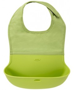OXO : OXO6128900* ผ้ากันเปื้อน Tot Silicone Roll Up Bib with Comfort-Fit Fabric Neck ,Green