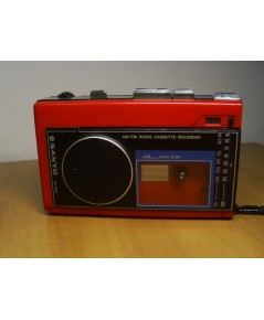 SANYO M1780F วิทยุ-เทป ขนาดเล็กพกพาสีแดงสวยๆ ใช้งานได้ปกติ