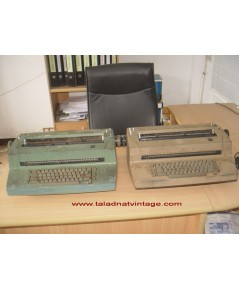 เครื่องพิมพ์ดีดไฟฟ้าโบราณ IBM