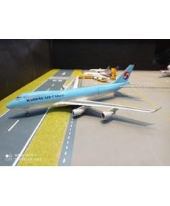 G2930 1:200 Korean Air Cargo 747-400ERF HL7603 [Width 30 Length 35 Height 6 cms.]