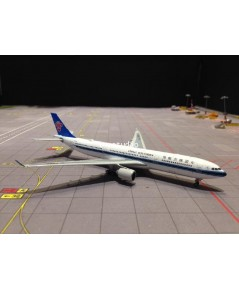PHOENIX 1:400 China Southern A330-300 B-5966 PH1381