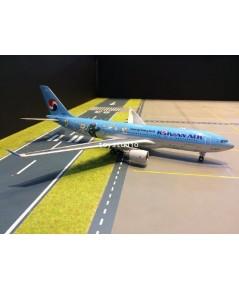 JC WINGS 1:200 Korean A330-200 HL8227 Pyeong Chang 2018 EW2332001