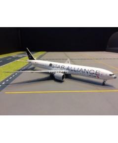JC WINGS 1:400 Air China 777-300ER B-2032 SA nose KD4102