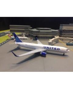 Gemini Jets 1:400 United 767-300ER N676UA GJ1921