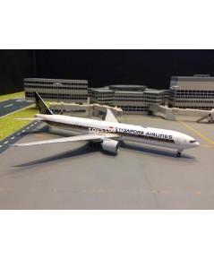 Phoenix 1:400 Singapore 777-300ER 9V-SNC P4330