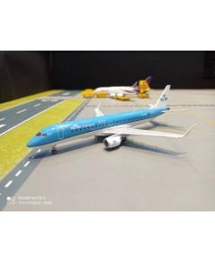 HW557580-001 1:200 KLM Cityhopper  Embraer E190 PH-EZA  [ Width 14  Length 19  Height 6 cms. ]