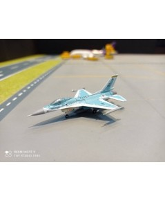 HW571159 1:200 USAF F-16C 84-1220 [Width 5 Length 8 Height 3 cms.]