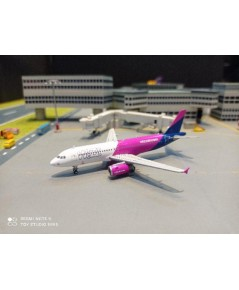 GJ1978 1:400 Wizz Air A320 HA-LWC [Width 9 Length 9.5 Height 3 cms.]