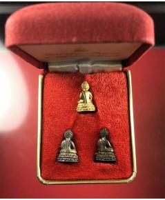 พระชัยวัฒน์เจ้าสัว ชุดทองคำ มี 3 เนื้อ มีทองคำ๖ กรัม,เงิน,นวะ  จัดสร้าง ๒๐๐ ชุด (เช่าบูชาไปแล้ว)