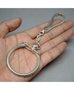 พวงกุญแจโบราณ SILVER stering 925 ขนาดความกว้างของห่วงร้อย 5cm ความยาว 14cm งานเก่าหายากพร้อมใช้งาน แ