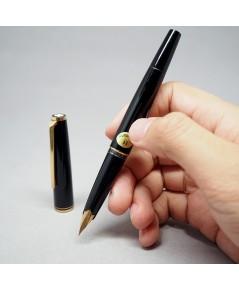 ปากกาซึม Montblanc Classic 1970 fountain Pen ปากทอง 14k (585) solid ตัวด้ามอครีลิคดำ ระบดึงปลอก ชุดเ