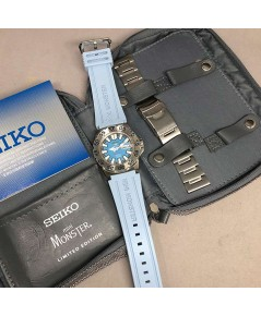 SEIKO Mini Monster limted edition 945/999 ขนาดตัวเรือน 45mm หน้าปัดสีฟ้าลายผ้า บอกวัน และวันที่ตำแห