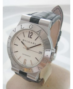 BVLGARI Diagona automatic date ใส่ได้ทั้งชาย หญิง ขนาดตัวเรือน 35mm หน้าปัดขาวประดับหลักเวลาอารบิค บ