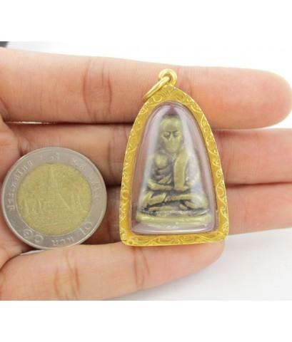 พระหลวงพ่อเงิน บางคลาน เนื้อทองเหลืองหล่อโบราณ เลี่ยมทองเก่า นน. 27.74 g