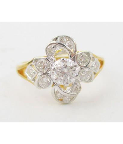 แหวน เพชรเดี่ยวชู 0.18 กะรัต ล้อมเพชร 12 เม็ด 0.30 กะรัต ทอง90 งานสวยมาก นน. 2.90 g