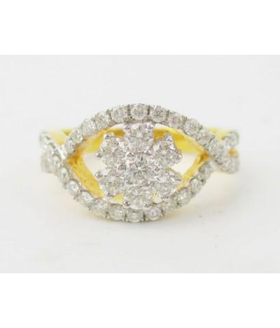 แหวน เพชรกระจุก 83/0.95 ct ทอง 90 เพชรสวย เล่นไฟ วิ้ง วิ้ง นน. 4.82 g