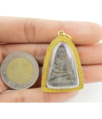 พระหลวงพ่อเงิน บางคลาน เนื้อนว เลี่ยมทองเก่า นน. 26.52 g