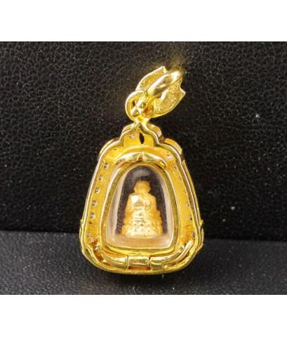 พระหลวงปู่ทวด เนื้อทองคำ กรอบทอง ฝังเพชร 27 เม็ด 0.31 กะรัต นน. 4.96 g