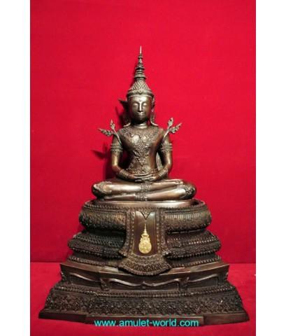 พระพุทธรูปทรงเครื่องจักรพรรดิ์ สมาคมสภาผู้สูงอายุแห่งประเทศไทยฯสร้าง โลหะผสม ตัก 9 นิ้ว (องค์ที่1)