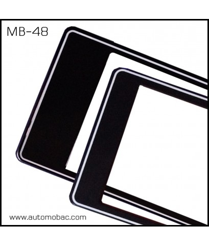 กรอบป้ายทะเบียนกันน้ำ MB-48 สีดำ ขอบขาว สั้น-ยาว ไม่มีเส้นกลาง ระบบคลิปล็อค 8 จุด พร้อมน็อตอะไหล่