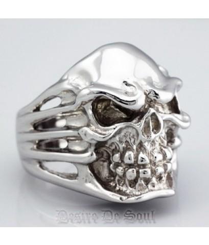 แหวนเงินแท้ .925 รมดำ ขัดเงาอย่างดี รูปหัวกะโหลก Size 9 (60) High Qualty Product NEW..!!!