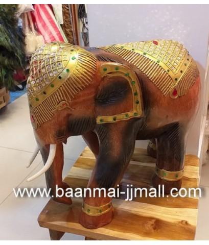 ช้างไม้สักทรงเครื่องแกะสลักมือ
