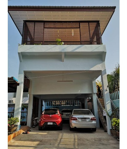 บ้านนภาพร บ้านพักตากอากาศหลังใหญ่พร้อมสระว่ายน้ำ บริเวณชายหาดชะอำ จ.เพชรบุรี