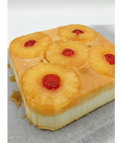 เค้กสับปะรดไข่ขาว Pineapple Upside - down Cake