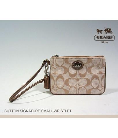 *พร้อมส่งค่ะ*กระเป๋าคล้องมือ Coach Sutton Signature Small Wristlet 46984 Khaki/bronze