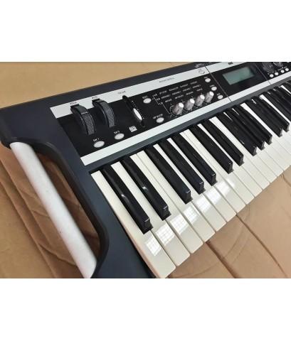 KORG X50 คีย์บอร์ดมือสอง สภาพ 70-80เปอร์เซ็นท์ 61คีย์ มีเสียงให้ถึง 470เสียง และซาวกลองอีก 518เสียง