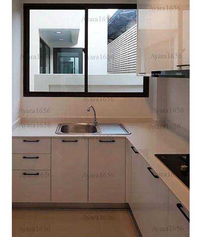ชุดครัว Built-in ตู้ล่าง โครงซีเมนต์บอร์ด หน้าบาน Hi Gloss สีขาว