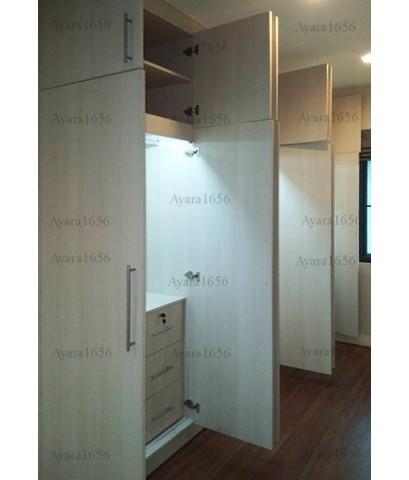 ตู้เสื้อผ้า Built-in โครงปาติเกิลกันชื้น หน้าบาน Melamine สี Rijeka Oak