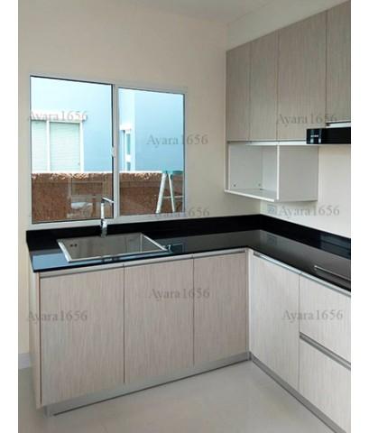 ชุดครัว Built-in ตู้ล่าง โครงซีเมนต์บอร์ด หน้าบาน Laminate สี Smoke Strand - ม.The Plant