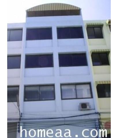 อาคารพาณิชย์ 4.5 ชั้น หมู่บ้านลีลาวดี หนองจอก เนื้อที่ 21 ตร.วา สภาพพร้อมอยู่