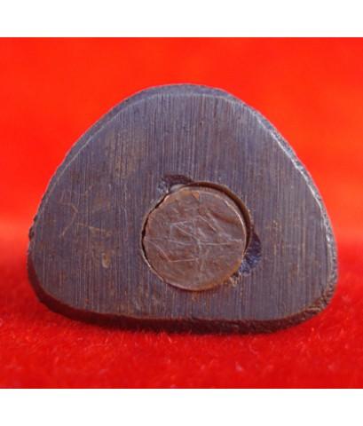 รูปหล่ออุดกริ่งหลวงพ่อทวด ใต้ฐานมีจาร รุ่นมหาราช เนื้อทองเหลืองรมดำ วัดช้างให้ ปี 2525 สวยเข้มขลัง