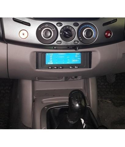 ตัวอย่าง TRITON 4x4 ย้ายจอแสดงข้อมูลรถ จากด้านบนสุด ลงมาแทนช่องวิทยุเดิม