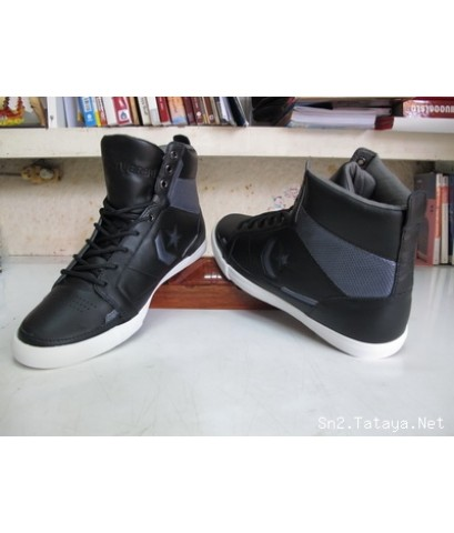 รองเท้าคอนเวิดหนังหุ้มข้อสีดำเก๋ๆ