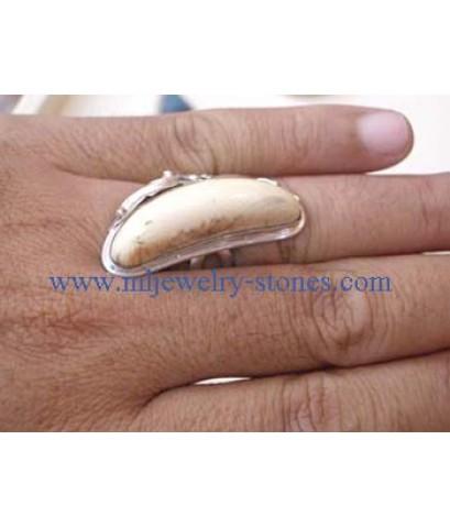 แหวนงาช้าง