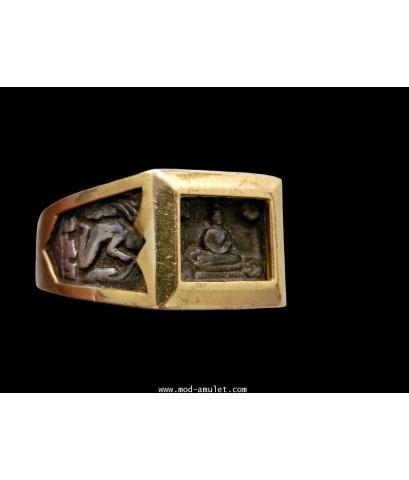แหวนพระพุทธสี่เหลี่ยม เนื้อเงินเลี่ยมทอง ปี24 หลวงปู่ดู่ วัดสะแก