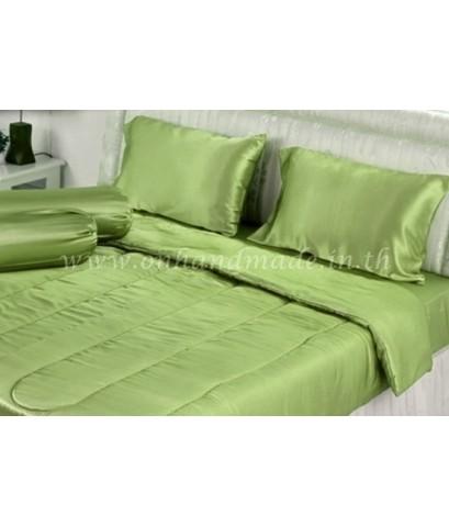 ผ้านวมคลุมเตียงไมโคร ผ้าซาตินแท้ 440 เส้น ขนาด 6 ฟุตพิเศษ (ขนาด 90 นิ้ว x 100 นิ้ว) สีเขียวอ่อน