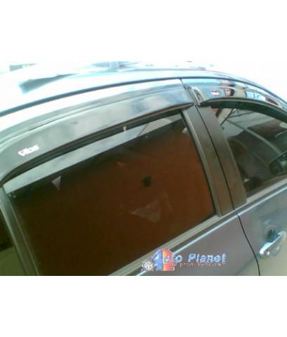 """เจ้าของรถป้ายแดง วีออส 2007 นำรถมาติด """"กันสาดรุ่นใหม่"""" ที่ร้านฯ"""