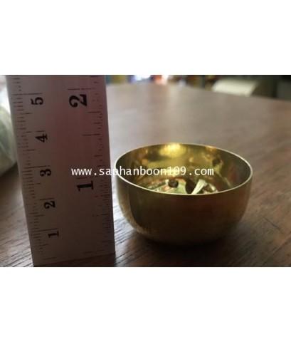 ชุดถวายข้าวพระพุทธ ( หรือใช้ใส่น้ำชา ) งาน ทองเหลืองแท้ ตราไก่เหยียบลูกโลก