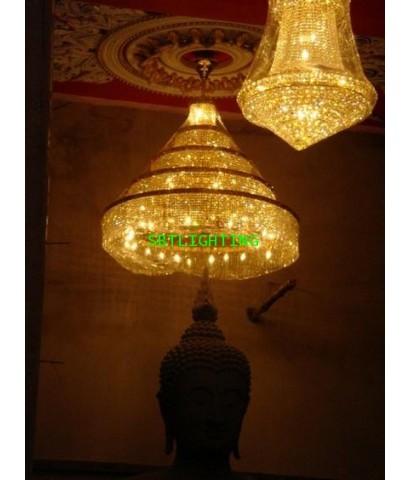 โคมไฟฉัตรคริสตรัล พระประธาน