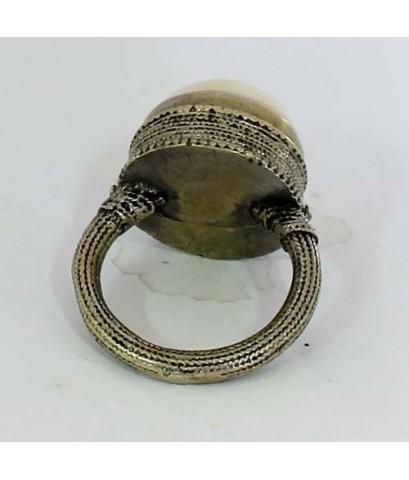 แหวนหัวงาช้าง